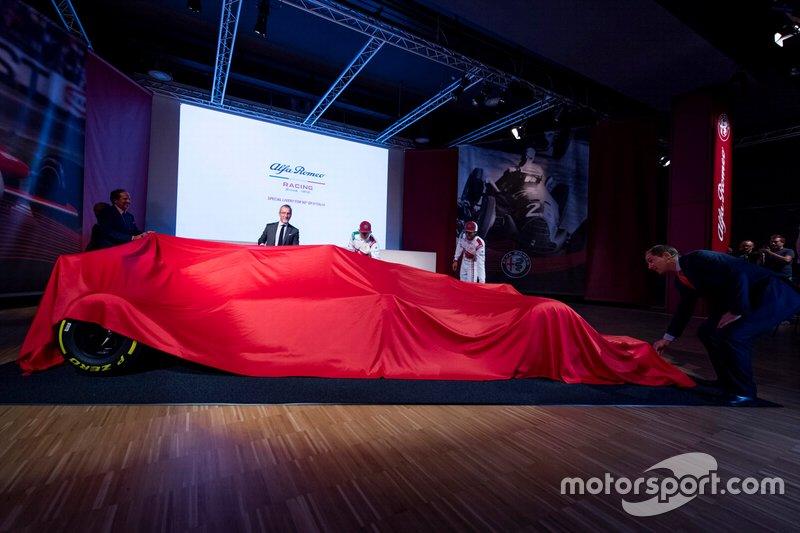 Alfa Romeo Racing C38 Monza renk düzeni