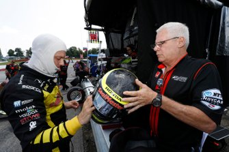 Sebastien Bourdais, Dale Coyne Racing with Vasser-Sullivan Honda with Vice President of Helmet Services, Kevin Diamond