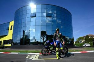 Валентино Росси, Yamaha Factory Racing
