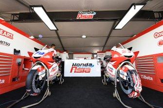 Box: Honda Team Asia
