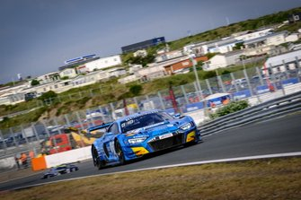 #11 Phoenix Racing Audi R8 LMS GT3: Finlay Hutchison, Frederic Vervisch