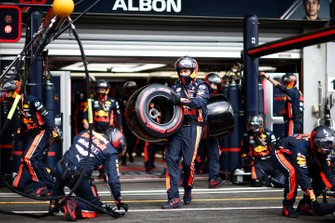 Red Bull pit crew