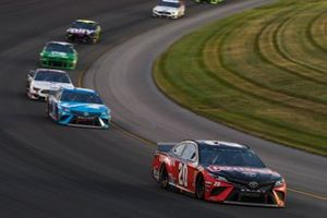 Erik Jones, Joe Gibbs Racing, Toyota Camry Craftsman, Martin Truex Jr., Joe Gibbs Racing, Toyota Camry Auto Owners Insurance