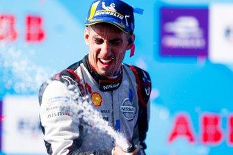 Race winner Sébastien Buemi, Nissan e.Dams celebrates with champagne on the podium