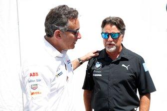 Alejandro Agag, CEO, Fórmula E saluda a Michael Andretti, Director General y Presidente de Andretti Autosport