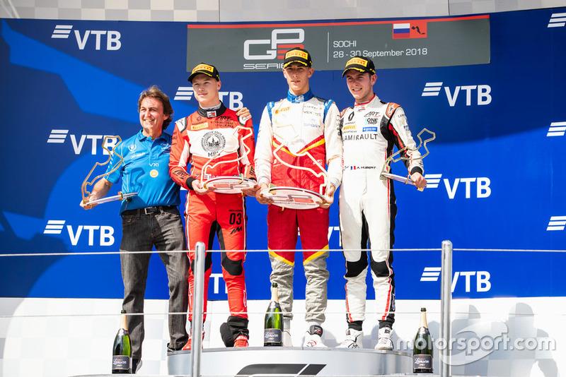 Podio: ganador de la carrera Leonardo Pulcini, Campos Racing, segundo lugar Nikita Mazepin, ART Grand Prix, tercer lugar Anthoine Hubert, ART Grand Prix, Adrian Campos