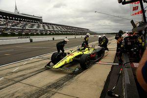 Sébastien Bourdais, Dale Coyne Racing with Vasser-Sullivan Honda pit stop