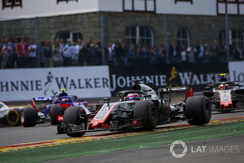 Romain Grosjean, Haas F1 Team VF-18, Kevin Magnussen, Haas F1 Team VF-18, y Pierre Gasly, Toro Rosso STR13