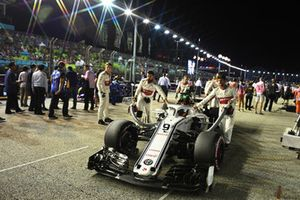 Marcus Ericsson, Sauber C37 on the grid