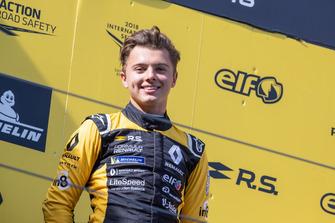 Podio: Max Fewtrell, R-Ace GP