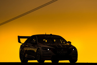 Scott Pye, Walkinshaw Andretti United Holden at sunset