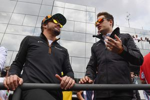 (L to R): Fernando Alonso, McLaren and Stoffel Vandoorne, McLaren on the drivers parade