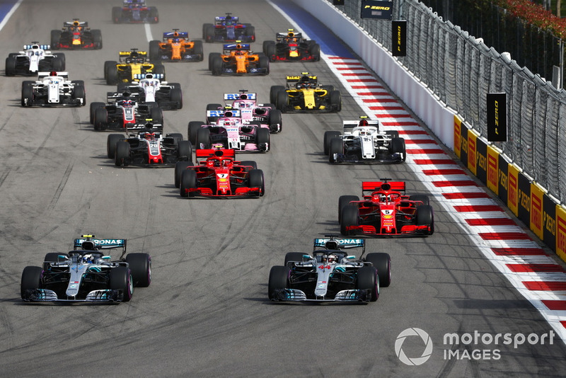 Start action, Valtteri Bottas, Mercedes AMG F1 W09 leads Lewis Hamilton, Mercedes AMG F1 W09, and Sebastian Vettel, Ferrari SF71H