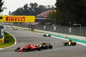 Kimi Raikkonen, Ferrari SF71H, Carlos Sainz Jr., Renault Sport F1 Team R.S. 18, Nico Hulkenberg, Renault Sport F1 Team R.S. 18, yCharles Leclerc, Sauber C37