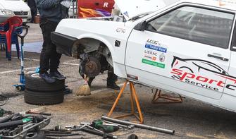 Машина Антона Поляничко після аварії на тренуванні