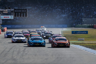 Lucas Auer, Mercedes-AMG Team HWA, Mercedes-AMG C63 DTM leidt na de start