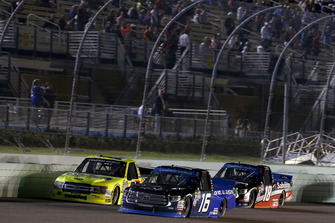 Brett Moffitt, Hattori Racing Enterprises, Toyota Tundra AISIN Group Noah Gragson, Kyle Busch Motorsports, Toyota Tundra Safelite AutoGlass Matt Crafton, ThorSport Racing, Ford F-150 Ideal Door/Menards