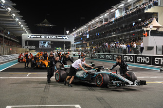 Mercedes-AMG F1 mechanics with car of Lewis Hamilton, Mercedes-AMG F1 W09 in Parc Ferme