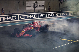 Sebastian Vettel, Ferrari SF71H donuts at the end of the race