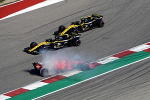 Sebastian Vettel, Ferrari SF71H ve Daniel Ricciardo, Red Bull Racing RB14 ilk tur kazası