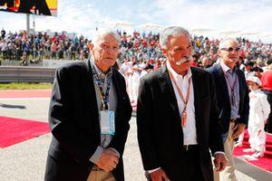 John Malone, presidente de Liberty Media, y Chase Carey, presidente de Formula One