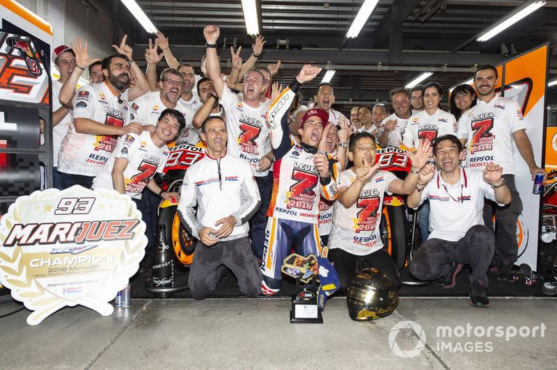 Marc Marquez, Repsol Honda Team celebra con su equipo
