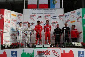 Podio GT3 Gara 1: i vincitori della gara Fisichella-Gai, Scuderia Baldini 27, al secondo posto Comandini-Koebolt, BMW Team Italia, al terzo posto Baruch-Treluyer, Audi Sport Italia