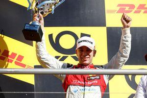 Podium: nummer twee Robin Frijns, Audi Sport Team Abt Sportsline