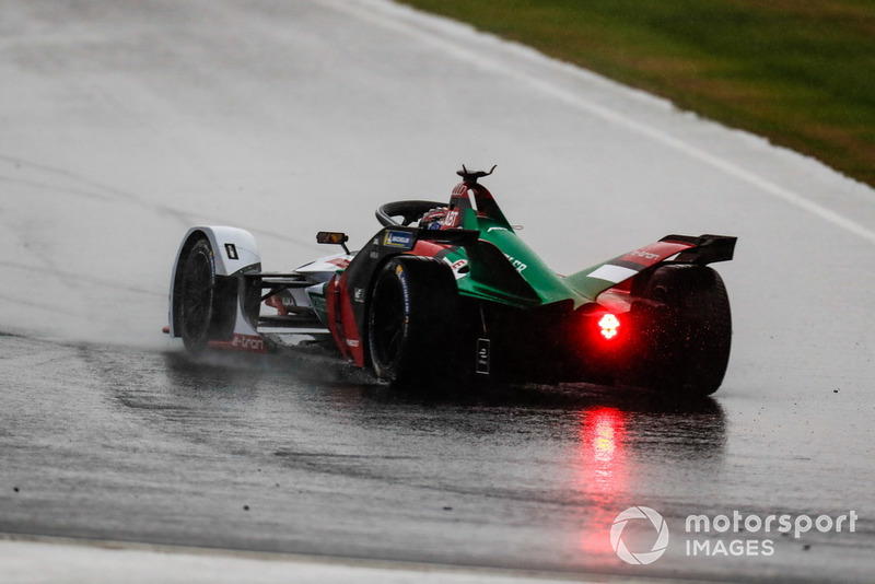 Daniel Abt, Audi Sport ABT Schaeffler, Audi e-tron FE05 spins in the wet conditions
