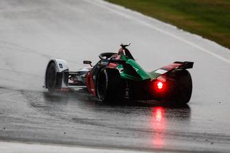 Daniel Abt, Audi Sport ABT Schaeffler, Audi e-tron FE05 spins in the wet conditions