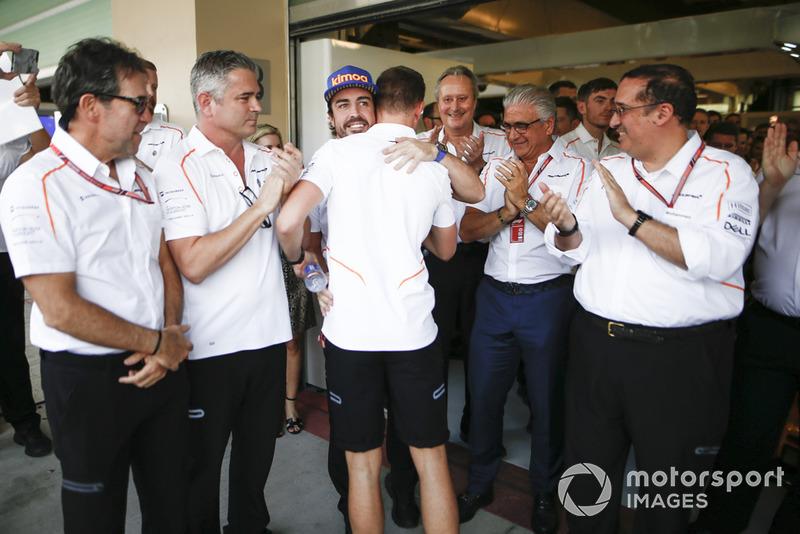 Fernando Alonso, McLaren y Stoffel Vandoorne, McLaren en la despedida de McLaren