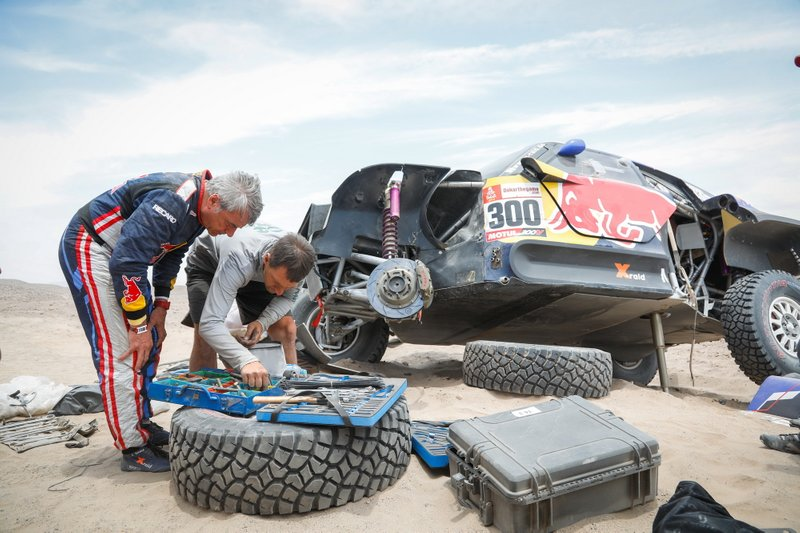 #300 X-Raid Mini JCW Team: Carlos Sainz, tras el accidente