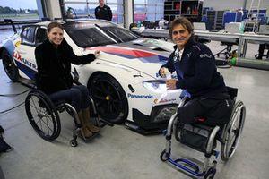 Nathalie McGloin, présidente de la Commission Handicap et Accessibilité de la FIA, et Alex Zanardi, BMW M8 GTE
