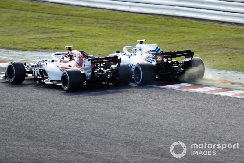 Sergey Sirotkin, Williams FW41, battles with Charles Leclerc, Sauber C37
