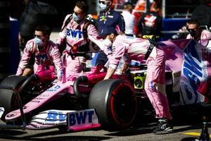 Lance Stroll, Racing Point RP20, arrives on the grid