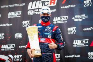 Podium: Race winner Nicky Catsburg, Engstler Hyundai N Liqui Moly Racing Team Hyundai i30 N TCR