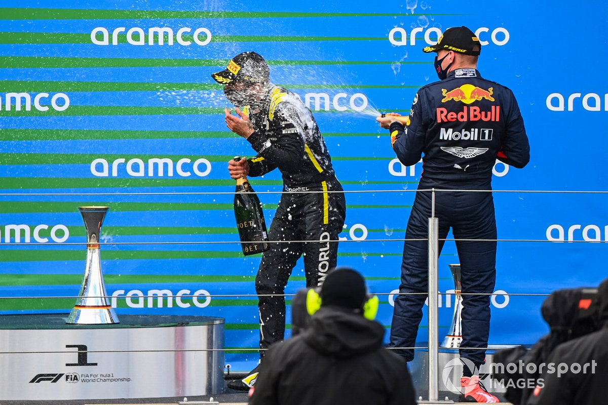 Max Verstappen, Red Bull Racing, 2nd position, sprays Daniel Ricciardo, Renault F1, 3rd position, with Champagne
