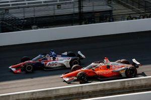 Tony Kanaan, A.J. Foyt Enterprises Chevrolet, James Hinchcliffe, Andretti Autosport Honda
