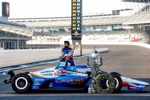 Takuma Sato, Rahal Letterman Lanigan Racing Honda takes a break while posing for photos