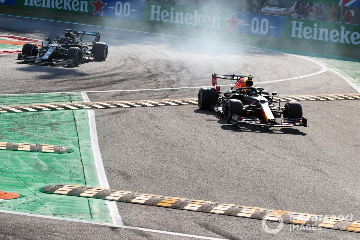 Alex Albon, Red Bull Racing RB16, Lewis Hamilton, Mercedes F1 W11