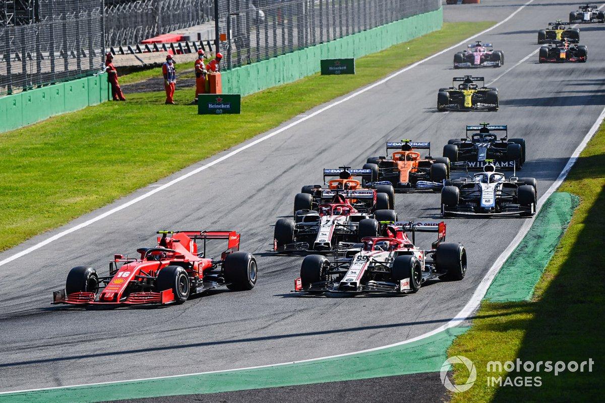 Charles Leclerc, Ferrari SF1000, Antonio Giovinazzi, Alfa Romeo Racing C39, Kimi Raikkonen, Alfa Romeo Racing C39, e Carlos Sainz Jr., McLaren MCL35
