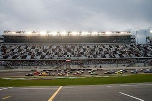 Kevin Harvick, Stewart-Haas Racing, Ford Mustang leads the field at the start of the race