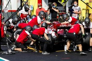 Kimi Raikkonen, Alfa Romeo Racing C39, makes a pit stop during FP2