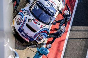#22 GPX Racing Porsche 911 GT3-R (991.II): Matt Campbell, Earl Bamber, Mathieu Jaminet