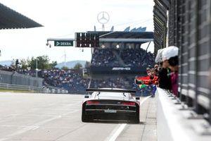 Le vainqueur Kelvin van der Linde, Abt Sportsline Audi R8 LMS GT3
