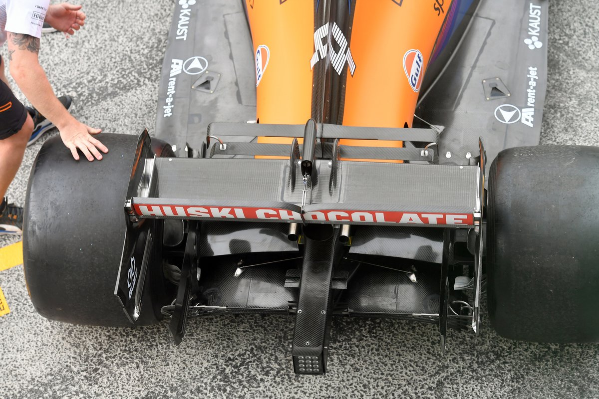 McLaren MCL35M: Heckflügel