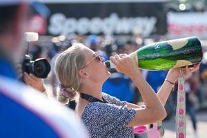 #31: Whelen Engineering Racing Cadillac DPi, DPi: Felipe Nasr, Pipo Derani, celebración, champán, ganador