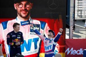 Podium : Le vainqueur Maximilian Götz, Haupt Racing Team
