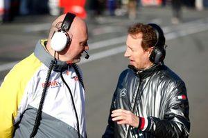 Hans Peter Naundorf, Team manager ROWE Racing and Thomas Jäger, AMG Customer Racing