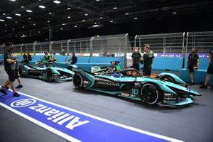Sam Bird, Jaguar Racing, Jaguar I-TYPE 5 Mitch Evans, Jaguar Racing, Jaguar I-TYPE 5